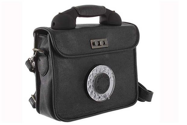 ¿Te animás a este bolso con un disco de teléfono?. Foto: www.taringa.net/