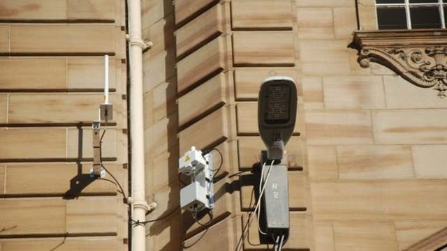En Glasgow, los datos de televigilancia pueden hacer que las luces se enciendan en áreas específicas de la ciudad para combatir el crimen