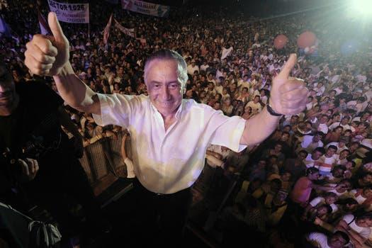 Oviedo durante un acto de campaña en Luque, Paraguay. Foto: EFE
