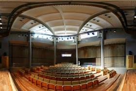 Para atraer al turismo, en Misiones se inauguró en 2011 una cruz de 82 metros, con un auditorio en su base
