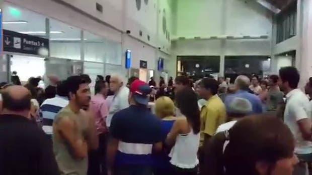 Hizo una broma sobre su suegra en el aeropuerto de Tucumán y provocó pánico