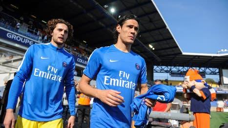 Cavani, durante el calentamiento del PSG en el último partido de la Ligue 1 de Francia