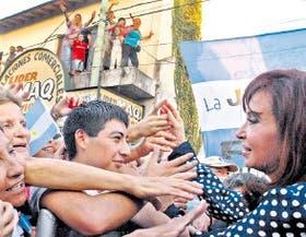 Cristina Kirchner, ayer, en un acto en el conurbano