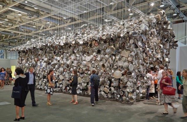 Instalación de Subodh Gupta, una de las diez obras imperdibles en Art Basel Unlimited seleccionadas por Molly Gottschalk