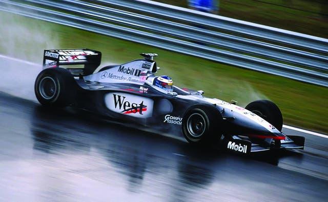 El McLaren MP 4-13 de 1998. Quizás el último auto lindo de la F1