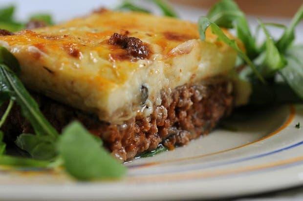 Receta de moussaka un popular plato de la cocina griega for La cocina popular