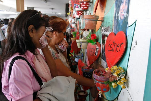 A un mes de cumplirse un año de la tragedia de Once, amigos y familiares recuerdan a las víctimas. Foto: DyN