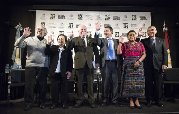 Los galardonados, durante la conferencia que brindaron el jueves pasado