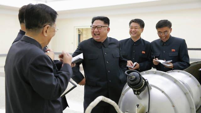 EE.UU. y Corea del Sur lanzan ataques simulados a Pyongyang tras el misil de Kim Jong-un