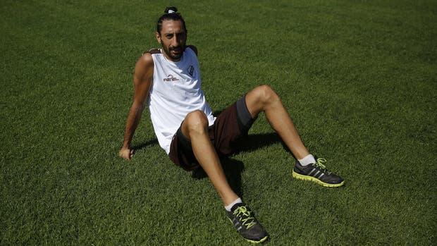 Lucas Galán llegó a platense después de jugar en guatemala, líbano y arabia