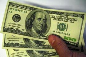 El dólar blue cerró a $ 8,58, cotización que no mostraba desde mediados de abril, tras perder 32 centavos en el día