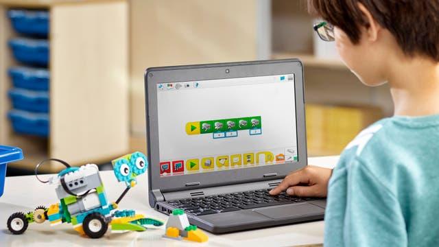 La versión educativa de Lego permite programar sus motores y crear robots, vehículos y más