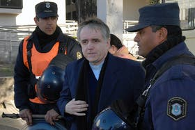 El padre Grassi está acusado por 17 hechos de abuso sexual y corrupción de menores