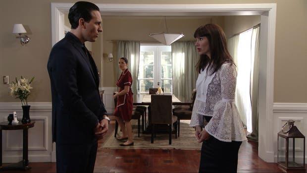 Griselda Siciliani, como Mara, pide que la ayuden a evitar que Nina revele que son hermanas