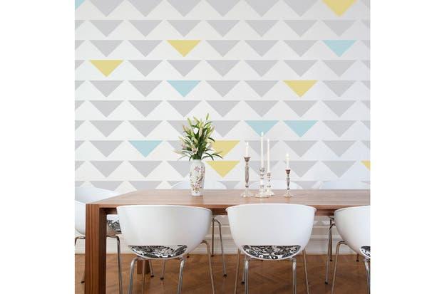 Probá con un lindo empapelado. Las propuestas actuales se renuevan con estampas modernas y frescas. Fotos: elledecoration.co.za.