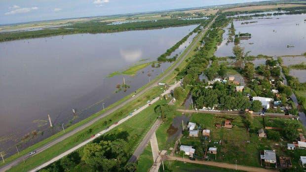 En Nogoyá , Entre Ríos, subió el agua, inundó una casa y un bebé murió ahogado