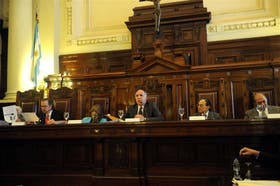 La Cámara Federal envió una carta a Elena Highton de Nolasco y Carmen Argibay, miembros de la Corte