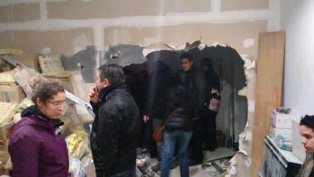 Los destrozos en el edificio donde funciona la redacción del diario