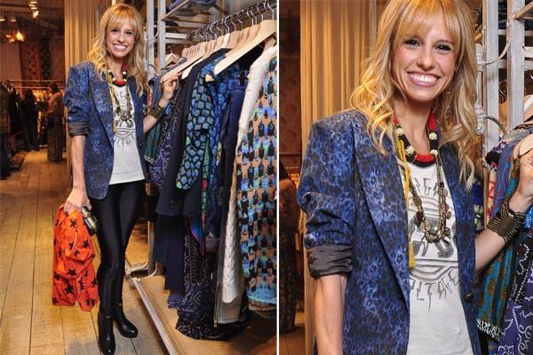 Mariana Fabbiani con collares superpuestos, mucha mezcla de estampas y su sonrisa característica. ¿Qué te parece su estilo?. Foto: Gentileza Rapsodia