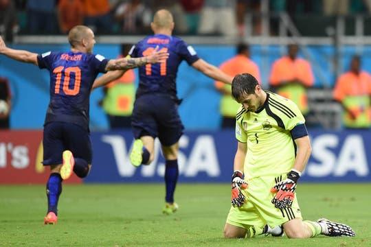 Holanda golea a España, el rival de la última final en el Mundial de Sudáfrica humilla al campeón. Foto: AFP