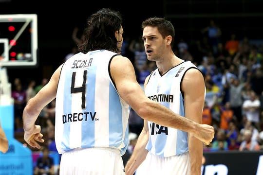 Argentina le ganó por 85-81 a Filipinas y sumó su segundo triunfo. Foto: FIBA