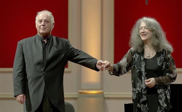 Barenboim y Argerich, juntos a dos pianos en Plaza Vaticano