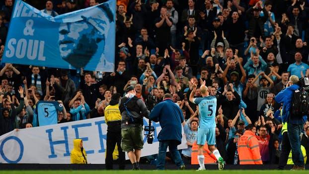 Emotiva despedida de Pablo Zabaleta en Manchester City.. Foto: AFP