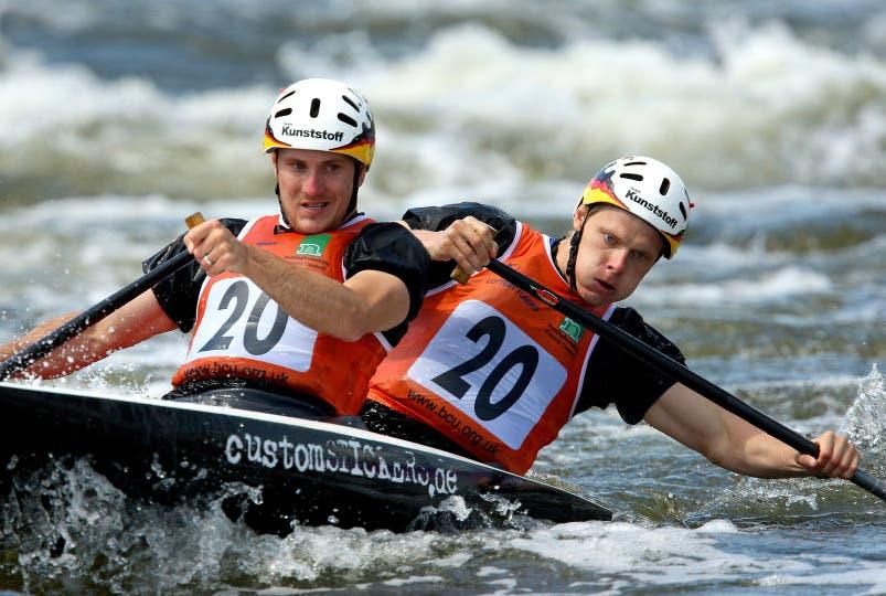 Stefan Henze, a la derecha, ganó la medalla de plata en los Juegos de Atenas