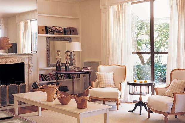 Como combinar muebles de diferentes estilos y colores for Combinar muebles en color cerezo y blanco
