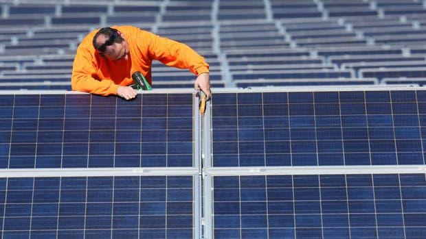 En el futuro, las celdas solares podrían reemplazar el uso de silicio por perovskita