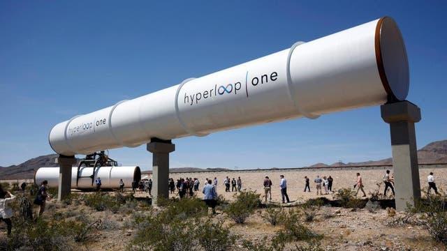 Uno de los tubos donde iría el transporte Hyperloop