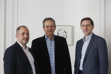 Pablo Isaia, CFO de EY; Mario Julio, General manager, Acceleration center de PwC Argentina y Cristian Argüello, CEO de Cognizant, hablaron con LA NACION sobre un sector que crece