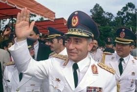 Oviedo fue uno de los gestores del golpe que termino con la dictadura de Stroessner en 1989