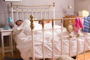 """Cómo sos durmiendo en pareja: descubrí tu posición del """"Cama Sutra"""""""