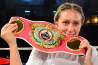 Yohana Alfonzo retuvo su título ligero mundial de la OMB