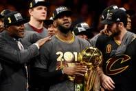 """LeBron James y Cleveland: de ser """"el peor traidor de la historia"""" al anillo de campeón"""