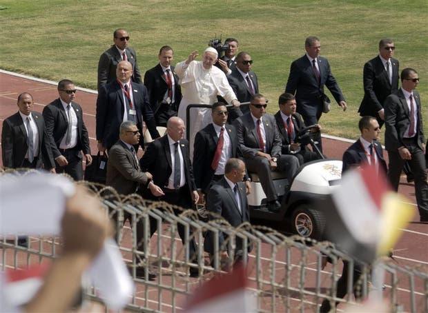 Un anillo de seguridad protegió al Papa durante sus traslados