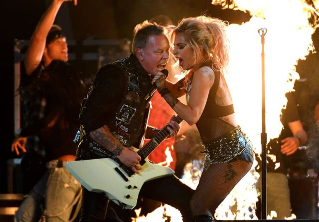 Metallica y Lady Gaga, una reunión con problemas de sonido en los Grammy