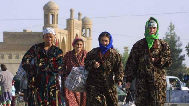 Mujeres uzbekas en la localidad de Karshi, próxima a la frontera con Afganistan.