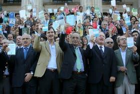 El viernes pasado, abogados se reunieron en la puerta de la Facultad de derecho para protestar contra la reforma judicial