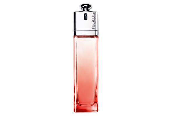 Dior Addict Eau Delice, una composición afrutada y floral que hace agua la boca (EDT 50ml$495). Foto: Brandy