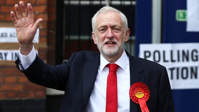 Reino Unido aún podría salir de negociaciones con UE sin acuerdo: Davis