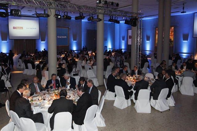 En la primera línea de mesas se ubicaron autoridades de la nacion y Banco Galicia y dirigentes de las entidades agropecuarias