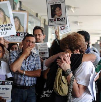 A un mes de cumplirse un año de la tragedia de Once, amigos y familiares recuerdan a las víctimas. Foto: Télam
