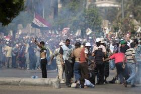 Una protesta de partidarios de Mursi terminó en un trágico enfrentamiento con el Ejército