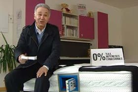 """El novedoso colchón permite guardar los ahorros y tenerlos """"seguros"""" en casa"""