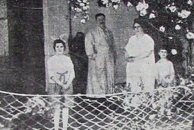 Imagen familiar de Mateo Banks antes del crimen; la foto fue publicada por el diario El Popular, de Olavarría