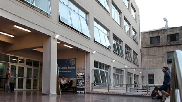 El Registro Público de Graduados Universitarios podrá consultarse en los sitios registrograduados.siu.edu.ar o graduadosuniversitarios.siu.edu.ar