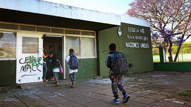 Escuela Nº 16 de Ensenada en la cual un padre agredió a un docente. Foto: LA NACION / Santiago Hafford