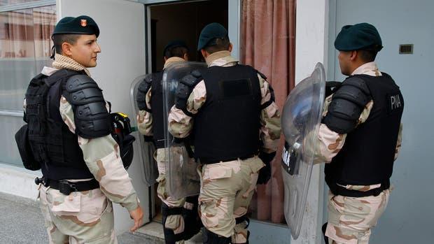 La fiscalía ayer por la tarde, mientras declaraban los gendarmes